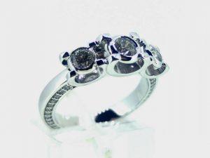 Sužadėtuvių žiedas Nr.130 (iš platinos arba aukso, su briliantais)