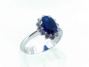 Sužadėtuvių žiedas Nr.134 (su safyru ir briliantais, iš aukso)
