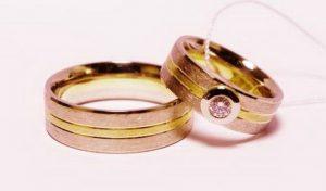 Vestuviniai žiedai Nr.136 (platūs, iš balto ir geltono aukso,mot.-su briliantu)