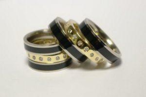 Vestuviniai žiedai Nr.143 (iš geltono aukso ir emalės, kompl.-iš atskirų dalių)