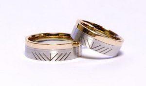 Vestuviniai žiedai Nr.146 (iš balto ir raudono aukso, su piešiniu)