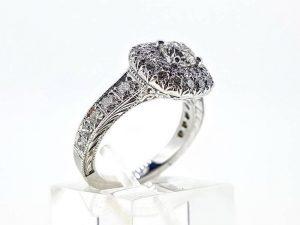 Sužadėtuvių žiedas Nr.159 ( iš balto arba kitos spalvos aukso, su briliantais)