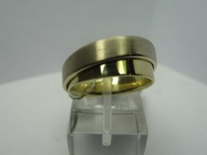 Vestuviniai žiedai Nr.15 (platūs vestuviniai žiedai, iš dviejų spalvų aukso)