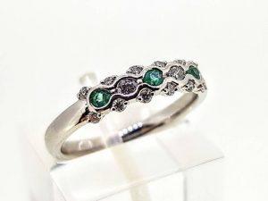 Sužadėtuvių žiedas Nr.165 (iš aukso, puoštas smaragdais ir briliantais)