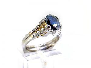 Sužadėtuvių žiedas Nr.166 (iš aukso, puoštas safyru ir briliantais)