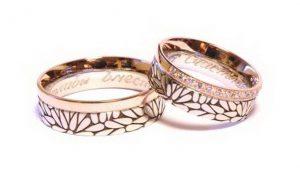Vestuviniai žiedai Nr.168 (iš raudono ir balto aukso, su išraižomu pasirinktu ornamentu)