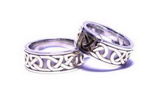 Vestuviniai žiedai Nr.169 (iš balto aukso, dekoruoti ornamentu)