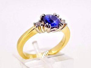 Sužadėtuvių žiedas Nr.170 (iš aukso, puoštas safyru ir briliantais)