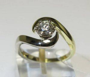 Sužadėtuvių žiedas Nr.17(iš geltono, balto arba raudono aukso, su briliantu)
