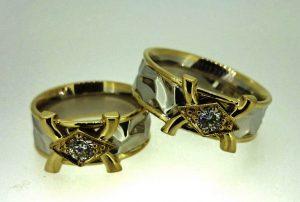 Vestuviniai žiedai Nr.188 ( iš platinos su aukso puošyba ir briliantais)