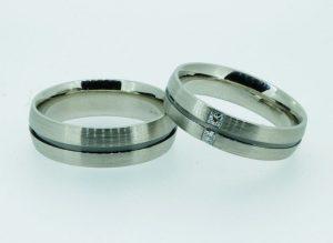 Vestuviniai žiedai Nr.226 (iš balto ir juodinto aukso, mot.-su deimantais)