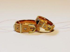 Vestuviniai žiedai Nr.227 (iš raudono aukso, puošti baltu auksu ir briliantais)