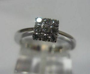 Sužadėtuvių žiedas Nr.22 (iš balto, geltono arba raudono aukso, puoštas brangakmeniais)