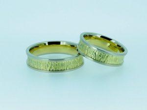 Vestuviniai žiedai Nr.237 (iš geltono aukso, su balto aukso kraštais)