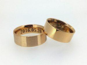 Vestuviniai žiedai Nr.253 (platūs, iš raudono aukso, su pirštų anspaudais)