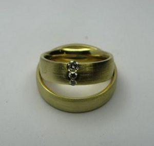 Vestuviniai žiedai Nr.25 (iš geltono,balto arba raudono aukso,mot.-su briliantais)