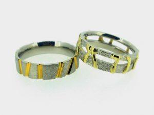 Vestuviniai žiedai Nr.267 ( iš platinos, puošti geltonu auksu)