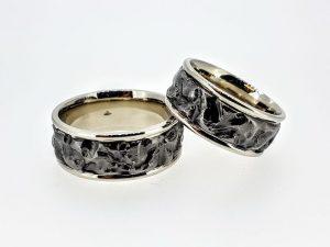 Vestuviniai žiedai Nr.290 (platūs, iš balto ir juodo aukso)