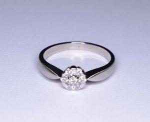 Sužadėtuvių žiedas Nr.30 (iš platinos arba balto aukso, puoštas brangakmeniais)