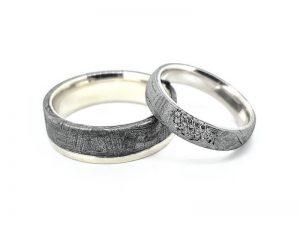 Vestuviniai žiedai Nr.310 (iš meteorito ir aukso, mot.-su briliantais)