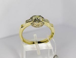 Sužadėtuvių žiedas Nr.39 (iš geltono arba raudono aukso, su briliantais)