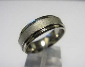 Vestuviniai žiedai Nr.40 (iš balto aukso, matiniu paviršiumi)