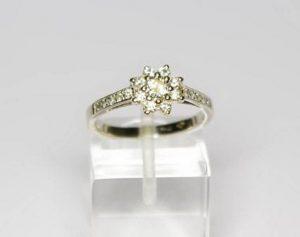 Sužadėtuvių žiedas Nr.42 (iš balto arba geltono aukso, puoštas brangakmeniais)
