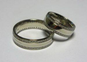 Vestuviniai žiedai Nr.43 (iš balto aukso, puošti brangakmeniais arba kt.akmenimis)
