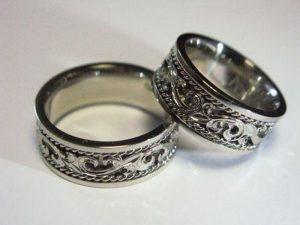 Vestuviniai žiedai Nr.45 (iš balto aukso, su išraižomu pasirinktu ornamentu)