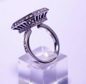 Sužadėtuvių žiedas Nr.46 (iš balto, geltono arba raudono aukso, puoštas brangakmeniais)