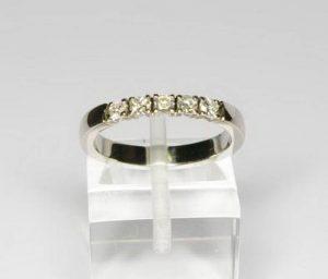 Sužadėtuvių žiedas Nr.47 (iš balto, geltono arba raudono aukso, su briliantais)