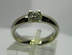 Sužadėtuvių žiedas Nr.4 (iš balto, geltono arba raudono aukso, su briliantu)