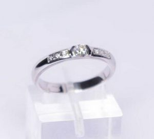 Sužadėtuvių žiedas Nr.52 (iš balto, raudono arba geltono aukso, su briliantais)