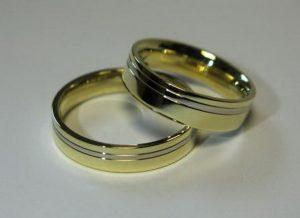 Vestuviniai žiedai Nr.54 (iš geltono aukso, su balto aukso juostele)