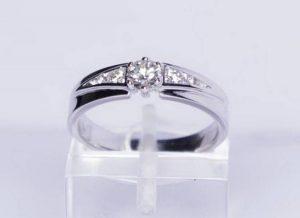 Sužadėtuvių žiedas Nr.57 (iš platinos arba balto aukso,su briliantais)