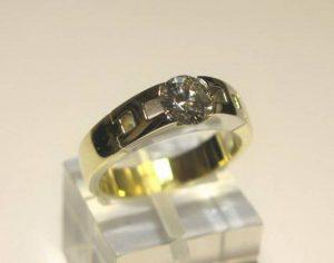 Sužadėtuvių žiedas Nr.58 (iš geltono arba raudono aukso, su briliantu)