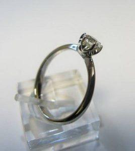 Sužadėtuvių žiedas Nr.61 (iš balto, geltono arba raudono aukso, su briliantu)