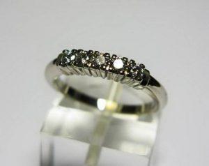 Sužadėtuvių žiedas Nr.63 (iš platinos arba balto aukso, puoštas brangakmeniais)