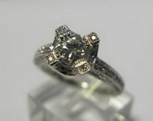 Sužadėtuvių žiedas Nr.6 (iš balto, geltono arba raudono aukso, su briliantais)