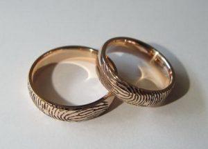 Vestuviniai žiedai Nr.6 (iš raudono aukso su pirštų antspaudais)