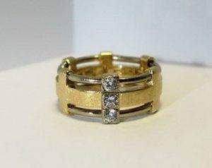 Vestuviniai žiedai Nr.70 (iš platinos ir geltono aukso, puošti brangakmeniais)