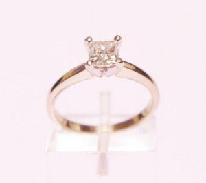 Sužadėtuvių žiedas Nr.74 (iš balto, geltono arba raudono aukso, su deimantu)