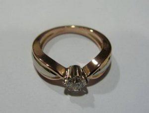 Sužadėtuvių žiedas Nr.7 (iš raudono ir balto aukso, su briliantu)