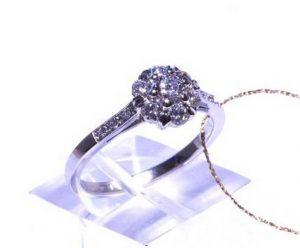 Sužadėtuvių žiedas Nr.80 (iš platinos arba balto aukso, puoštas brangakmeniais)