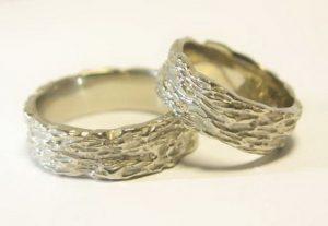 Vestuviniai žiedai Nr.80 (masyvūs, nelygiu kraštu,faktūruotu paviršiumi)