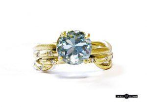 Sužadėtuvių žiedas Nr.82 (iš geltono aukso, su akvamarinu ir briliantais)