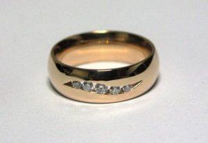 Vestuviniai žiedai Nr.90 (klasikiniai, iš raudono aukso, mot.-su briliantais)