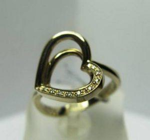 Sužadėtuvių žiedas Nr.9(modernus, iš geltono aukso, puoštas brangakmeniais)